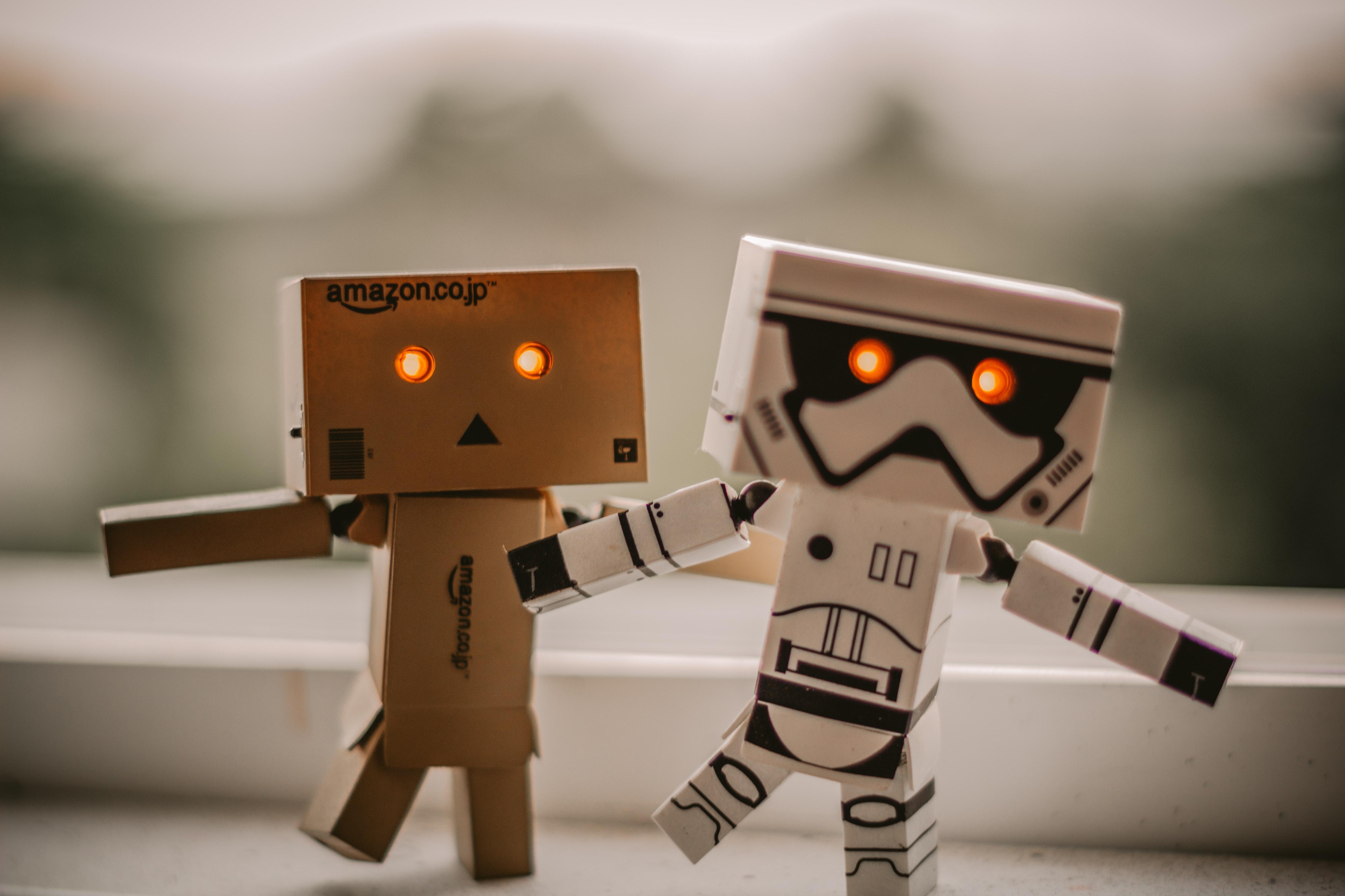 AWS推出RoboMaker,可构建智能机器人应用程序