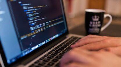 AI周报:Reddit CEO认为抖音是间谍软件;华为斥资2亿欧元在法国新建5G工厂;微盟涉事运维深陷网贷