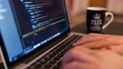 社保系统也没躲过黑客攻击,恶意软件已经开始篡改个人电脑数据