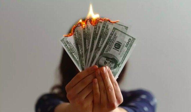 烧钱快如流水、赚钱难于上青天,AI创业出路在何方?