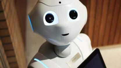 AI一周热闻:美国机场采用AI面部识别引发争议;特斯拉发布Q1季度财报,净亏7亿美元;