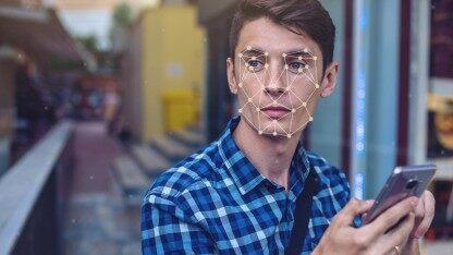 "APP人脸认证可作假;华为回应美国第三次宣布""豁免"":影响有限;AI 语音大牛 Daniel Povey 将在小爱同学 3.0 发布会首次亮相 | Q资讯"