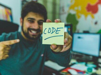 如何在软件开发行业选择一条正确的职业道路?
