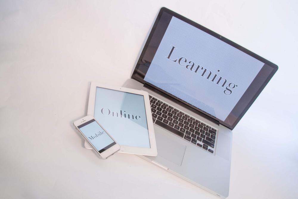 在线学习在爱奇艺信息流推荐业务中的探索与实践