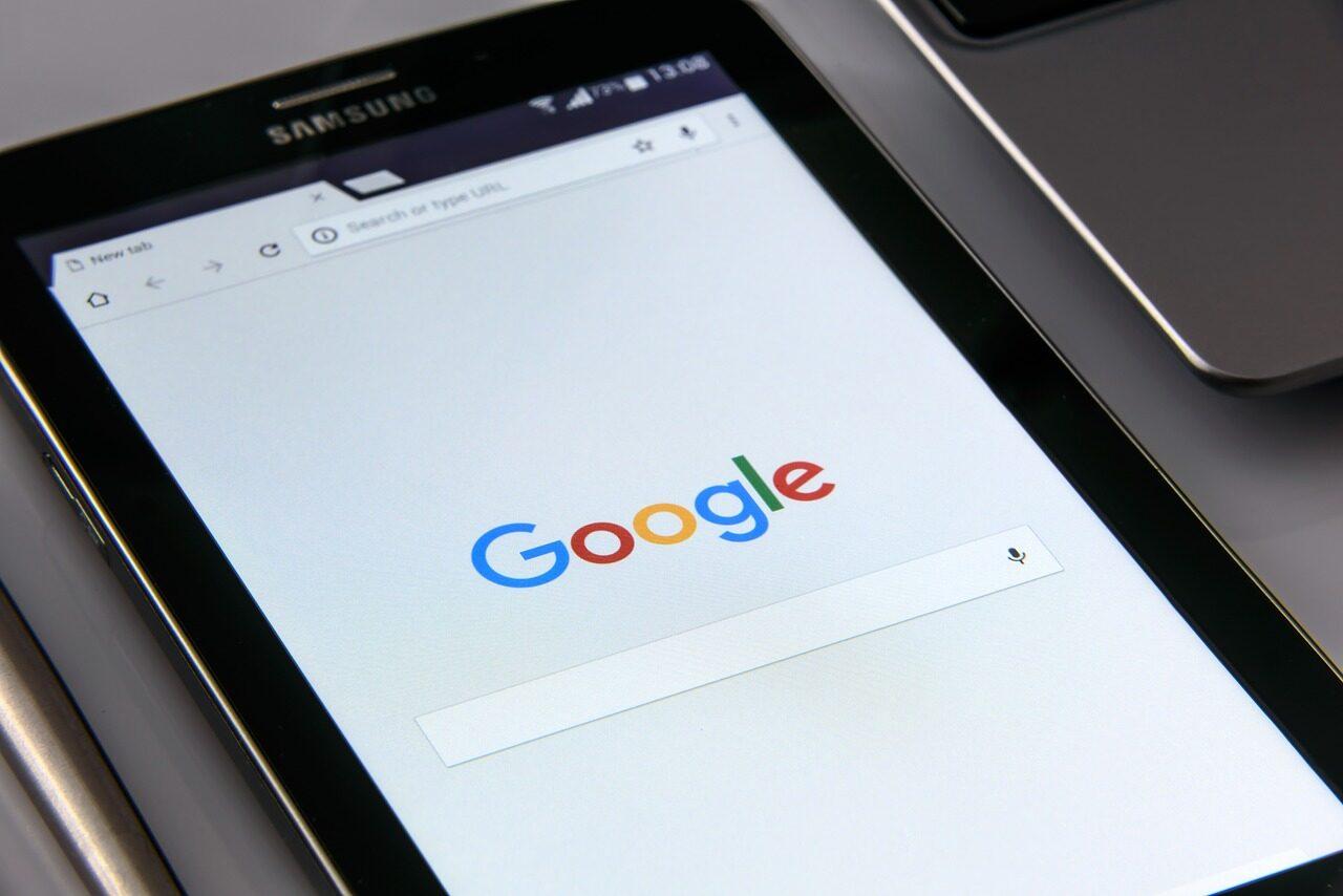 """谷歌鼓励""""人们举报APP滥用用户数据"""",最高奖5万美金"""