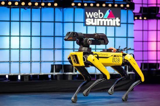 AI周报:黑客为代码入侵赌博公司;特朗普回应美国对华为实施芯片禁令;机器狗Spot上班后,试用期遇挑战