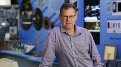 芯片巨头ARM 联合创始人兼首席技术官将于月底退休,继任者尚不明
