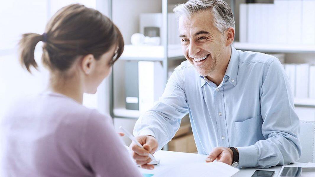 大龄求职者在面试时应该如何回答好这6个问题